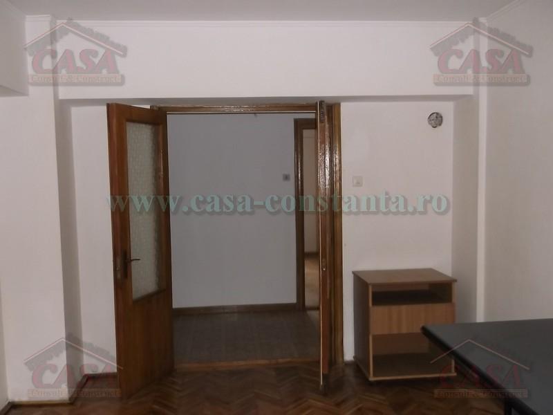 Inchiriere Apartament 4 camere Constanta Trocadero numar camere 4  pret 400  EUR